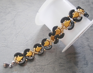 Black Golden Cs Bracelet Tutorial