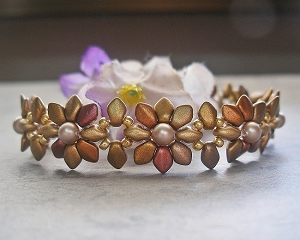 Lovely Golden Daisy Bracelet Tutorial