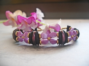 Crescent Pinch Flower Bracelet Tutorial