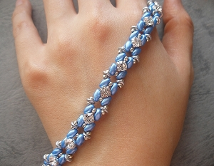 Glitz Blue SuperDuo Bracelet Tutorial