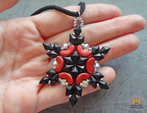 Red Black Duo Snowflake Pendant Tutorial