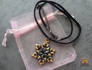Black Christmas Star Pendant Tutorial