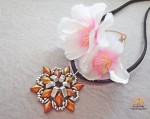 Metallic Star Flower Charm/Pendant Tutorial