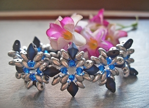 Frosty DiamonDuo Flower Bracelet Tutorial
