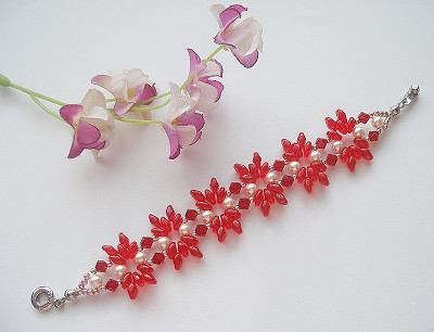 Red Superduo Pearl Flower Bracelet Tutorial