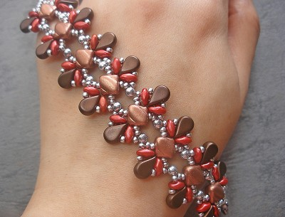 Chocolate Strawberry Cone Bracelet Tutorial