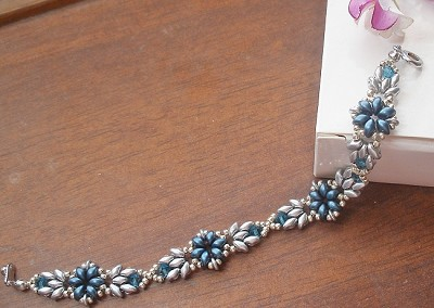 Blue ES-O Flower Bracelet Tutorial