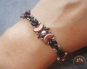 Black Copper Silver Pearl Beaded Bracelet Tutorial